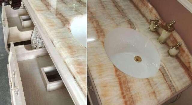 Две встроенные раковины в столешницу из натурального мрамора