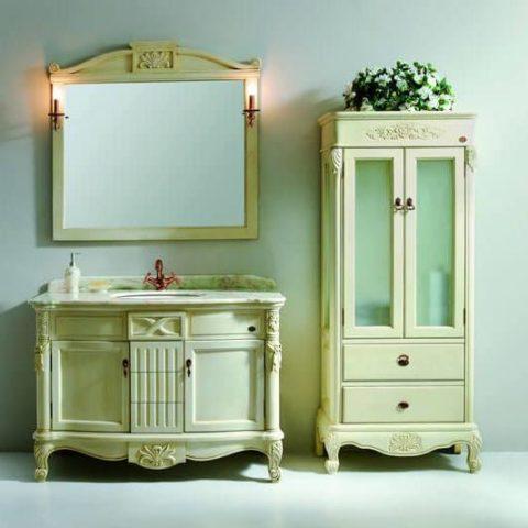 Шкаф пенал в ванную комнату напольный в классическом стиле